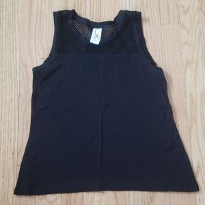 Girl's sleeveless shirt size Med 10/12